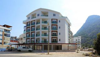 Well-Positioned Cozy Apartments in Antalya Turkey, Antalya / Konyaalti - video