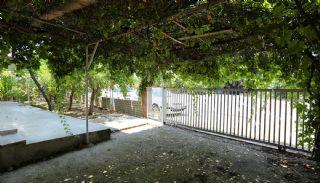 منازل مفروشة في كونيالتي محاطة بأشجار الفاكهة, انطاليا / كونيالتي - video