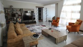 5+1 Spacious Apartment in Lara Antalya with 2 Kitchens, Antalya / Lara - video