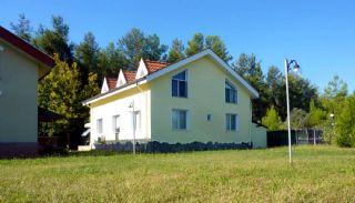 Отдельный Дом в Окружении Зелени в Дошемеалты, Анталия / Дошемеалты