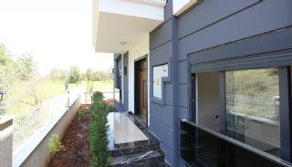 Lyxig villa med bekvämma faciliteter i Antalya, Antalya / Dosemealti - video