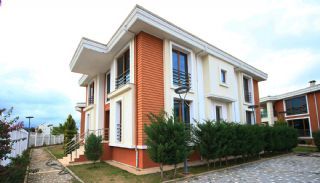 Spacious Houses Intertwined with Nature in Dosemealti, Antalya / Dosemealti - video