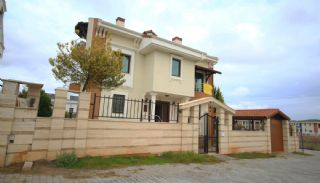 Spacious Detached Villa with Forest View in Antalya, Antalya / Dosemealti - video