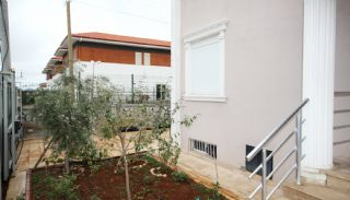 Well-Kept House Surrounded by Nature in Antalya Dosemealti, Antalya / Dosemealti - video