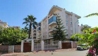 1+1 Apartment in Antalya Lara Close to All Conveniences, Antalya / Lara