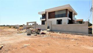 Döşemealtı'nda Kalabalık Ailelere Uygun Müstakil Villa, İnşaat Fotoğrafları-1