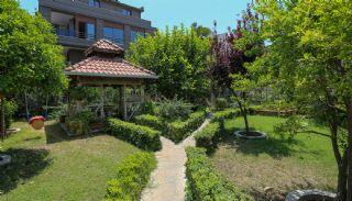 Vrijstaand huis 450 meter van het strand in Antalya, Antalya / Lara - video