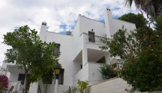 Semi-Detached Homes in the Seafront Complex of Bodrum, Bodrum / Gulluk - video