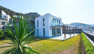 Contemporary Bodrum Villas with Palmarina Vistas, Bodrum / Yalikavak