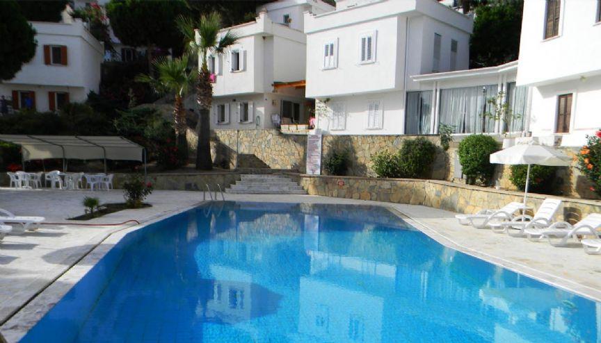 bodrum gumusluk villa eine freistehende villa mit m bel. Black Bedroom Furniture Sets. Home Design Ideas
