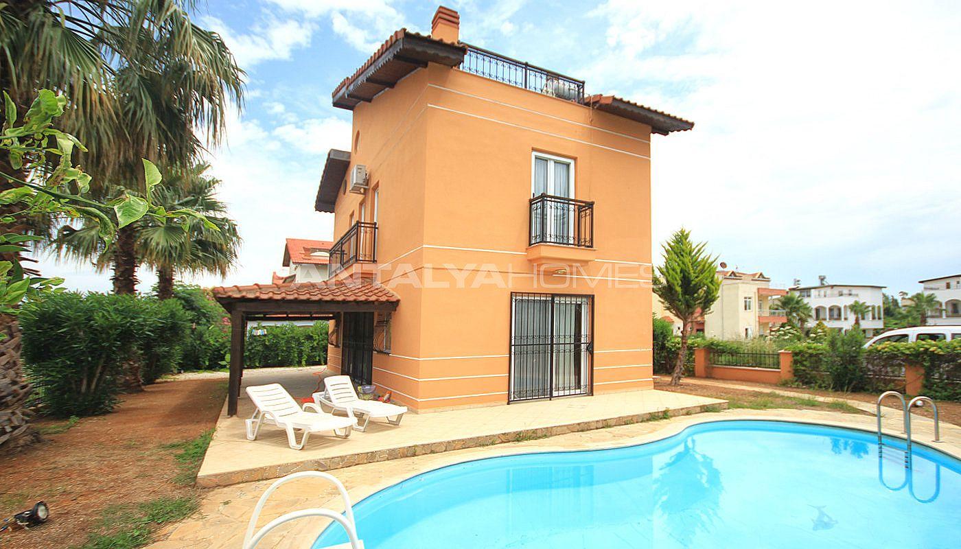 Villa meubl e de 4 chambres belek en turquie avec for Villa privee avec piscine