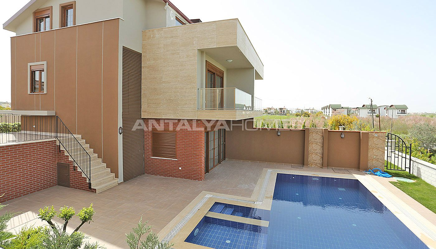 villas 4 chambres avec piscine priv e et jardin belek. Black Bedroom Furniture Sets. Home Design Ideas