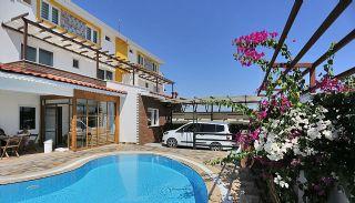 Kadriye'de Müstakil Girişli ve Havuzlu 3+1 Eşyalı Villa, Belek / Kadriye