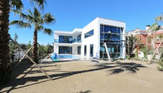 Futuristic Villa with Swimming Pool in Belek Antalya, Construction Photos-1