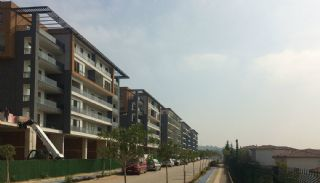 Smartly Designed Apartments Offering Happy Life in Bursa, Construction Photos-1