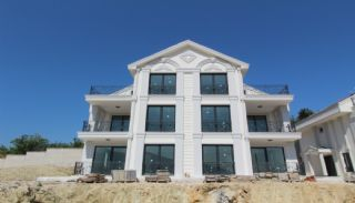 Modern Detached Villa in Prime Location in Nilufer Bursa, Bursa / Nilufer