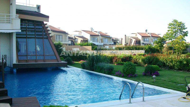 Villa sealybria de luxe meubl e silivri istanbul - Piscine istanbul ...