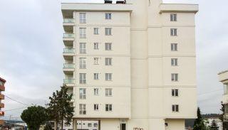 Goedkope appartementen dicht bij het winkelcentrum in Istanbul, Istanbul / Sultanbeyli - video