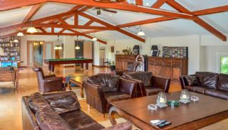 Luxury Villa in Istanbul for Sale Surrounded by Forest Valley, Interior Photos-8