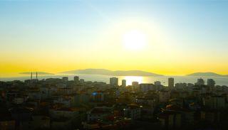 İstanbul Kartal'da Merkezi Konumda Deniz Manzaralı Daireler, İstanbul / Kartal - video