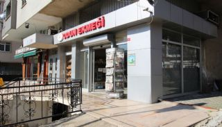 Centrally Located Commercial Shops in Istanbul Kadikoy, Istanbul / Kadikoy - video