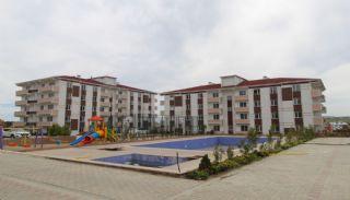 Familienkonzept-Wohnungen in einem Komplex mit Pool in Istanbul, Istanbul / Silivri