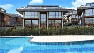 Luxury Villas in Complex with Rich Amenities in Istanbul, Istanbul / Uskudar - video