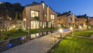 Villas in a Magnificent Nature, Istanbul / Zekeriyakoy - video