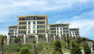 Unique Apartments of the Istanbul Coastline, Istanbul / Beylikduzu