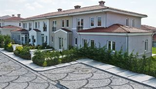 Centrally Located Istanbul Villas Intertwined with Sea, Istanbul / Beylikduzu - video