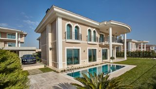 Centrally Located Istanbul Villas Intertwined with Sea, Istanbul / Beylikduzu