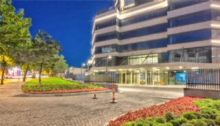 Istanbul Property in a Multi-Purpose Building Complex, Istanbul / Sisli - video