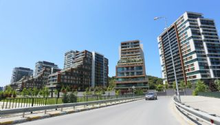 Gorgeous Apartments in Mixed Use Project in Istanbul, Istanbul / Sariyer - video