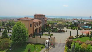 Authentic Detached Villas in Istanbul with Private Pool, Istanbul / Buyukcekmece - video