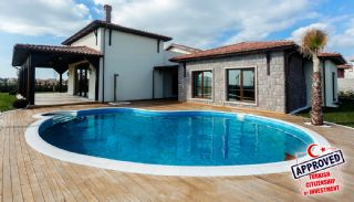 Authentic Detached Villas in Istanbul with Private Pool, Istanbul / Buyukcekmece