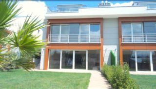 Key Ready Houses with Private Garden in Istanbul, Istanbul / Zekeriyakoy - video