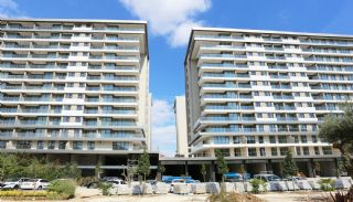 Central Apartments Overlooking the Sea in Istanbul, Istanbul / Beylikduzu - video