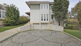 منازل اسطنبول مارينا محاطة بالحقول الخضراء, اسطنبول / بيليكدوزو - video