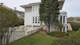 Charmantes Maisons au Port d'Istanbul Entourées d'Espaces Verts, Istanbul / Beylikduzu - video