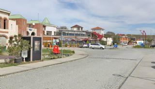 Snitsig Istanbul Marina Hus Omgiven av Grönt Område, Istanbul / Beylikduzu - video