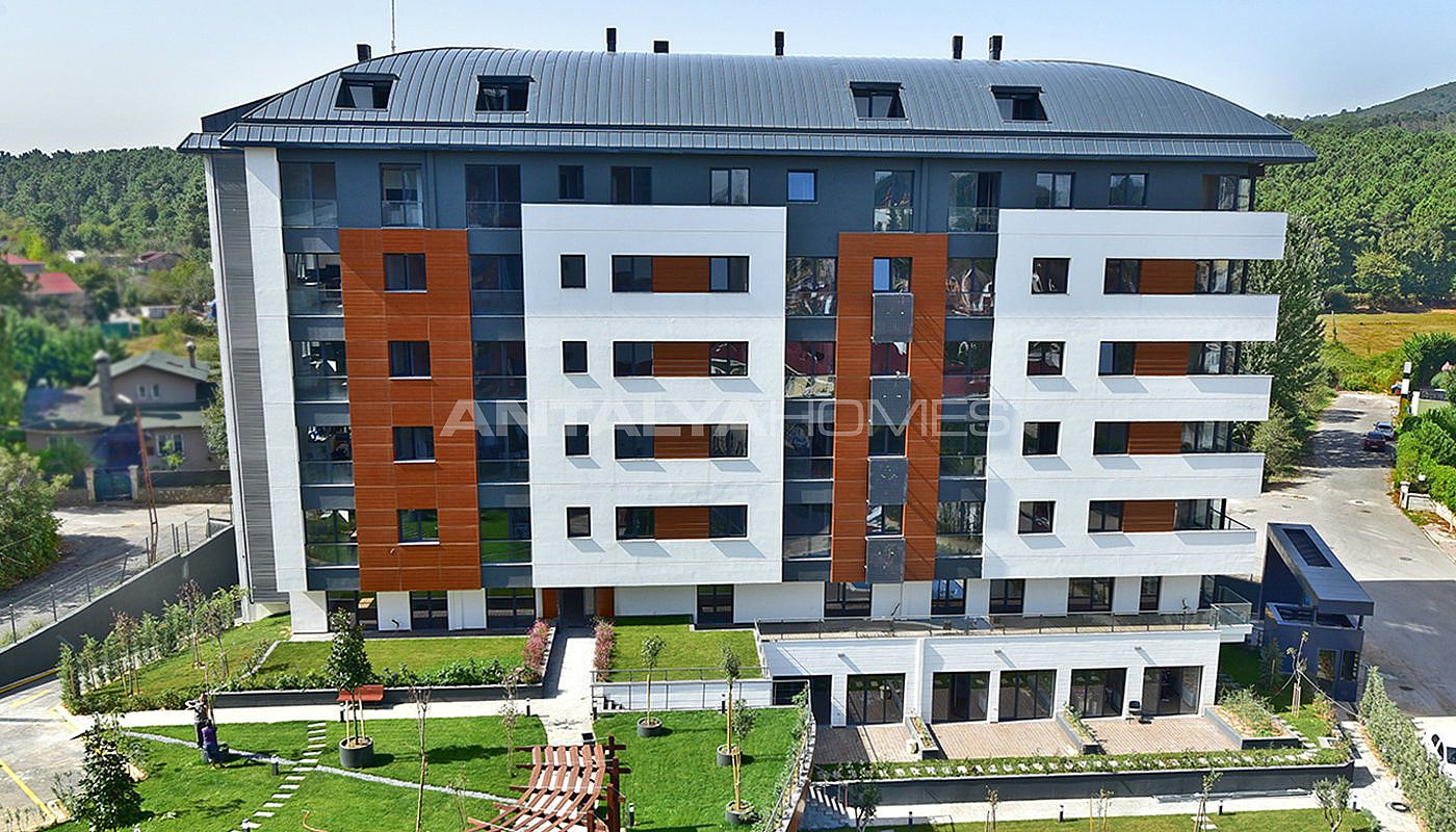 new apartments in cekmekoy on the asian side. Black Bedroom Furniture Sets. Home Design Ideas