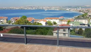 Sea and Lake View Villa in Istanbul with Private Pool, Istanbul / Buyukcekmece
