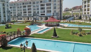 Exclusive Apartments with Rich Features in Istanbul, Istanbul / Beylikduzu - video