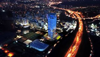 Contemporary Apartments Facing Highway in Istanbul, Istanbul / Esenyurt - video