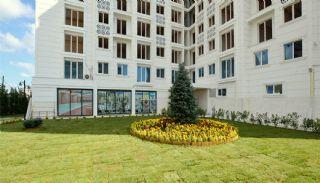 Familie Appartementen in Gewenste Locatie van Esenyurt, Istanbul / Esenyurt - video