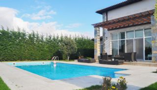 Detached Villas with Private Pool and Garden in Istanbul, Istanbul / Buyukcekmece - video
