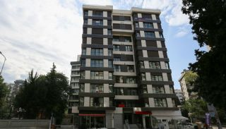 Smart Duplex a Few Steps Away from the Sea in Istanbul, Istanbul / Kadikoy - video