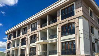 Недвижимость в Бююкчекмедже с Видом на Море и Озеро, Стамбул / Бююкчекмедже