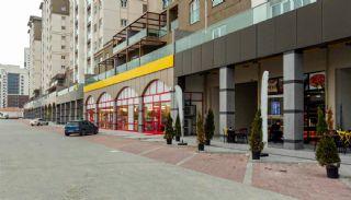 İstanbul Başakşehir'de Ana Yol Üzerinde Ticari Dükkanlar, İstanbul / Başakşehir - video