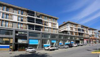 Commerciële Winkel met Bekende Huurder in Istanbul, Istanbul / Avcilar